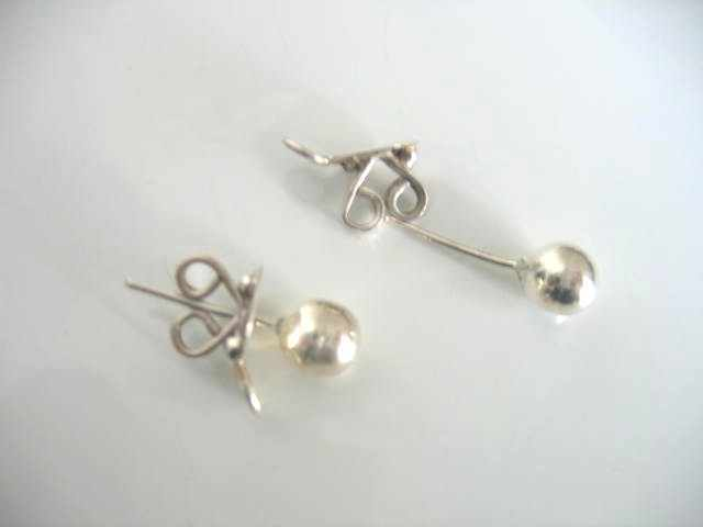 Julleen Ear Lobe Lift Stud Earring