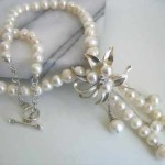 Hand Made Pearl Flower Pendant Necklacec
