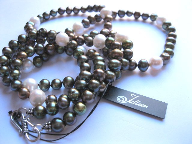 Long Pearl Necklaces for Mariko