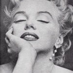 marilyn_waering_pearl_earrings_julleen