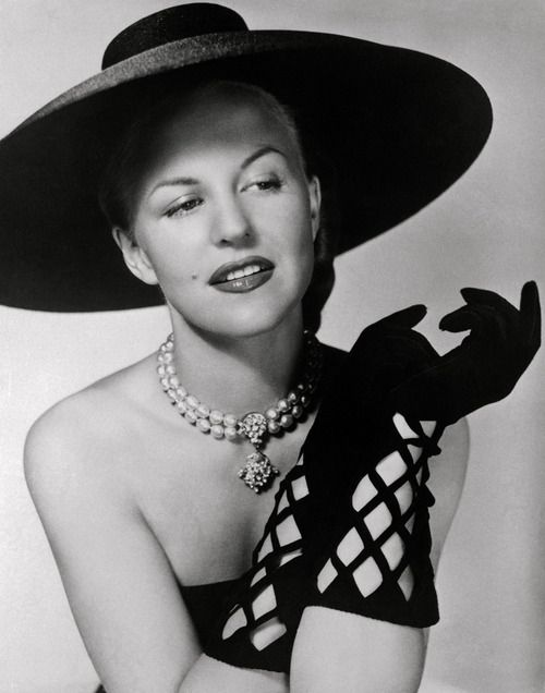 Pearl Jewellery on Peggy Lee