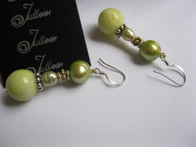Lime Green Pearl Earring