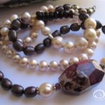maroon_pink_pearl_necklace2