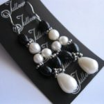 E039-BLACK-AND-WHITE-EXOCTIC-PEARL-EARRING-JULLEEN2