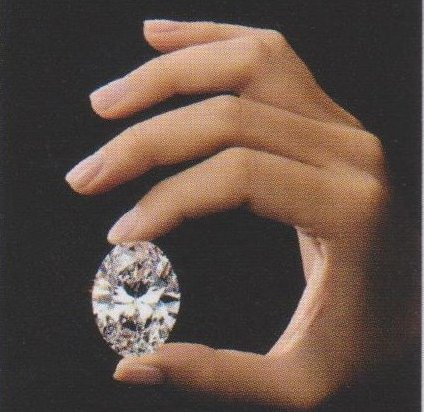 the luckiest diamond in hand2
