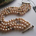 Nude-Pink-4-Row-Pearl-bracelet-Julleen-Jewels