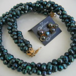 Green Pearl Jewellery - buy it here - http://www.julleen.com.au/proudly-peacock-set-p/tw004g.set.htm