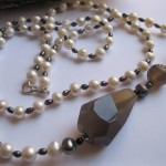 Long Necklace Pearl and Agate