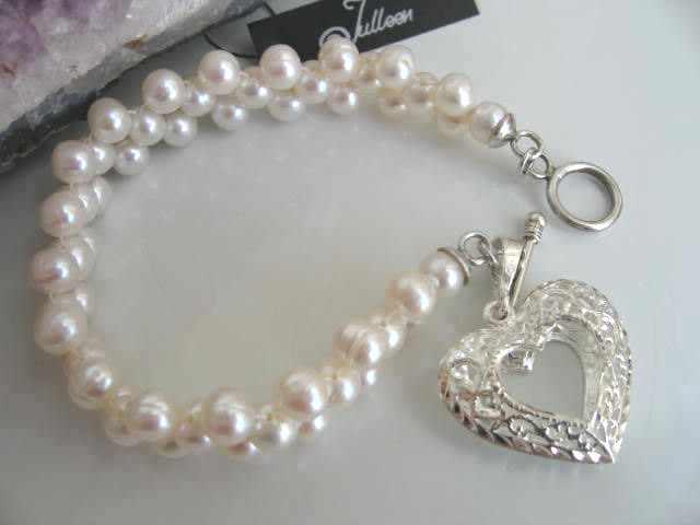 25mm Love Heart White Pearl Bracelet