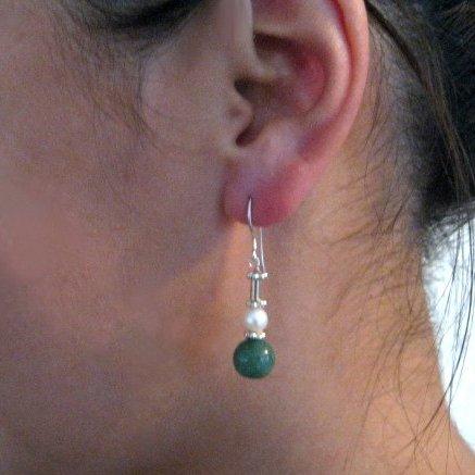 Pretty Pearl Earrings on Etsy by Julleen